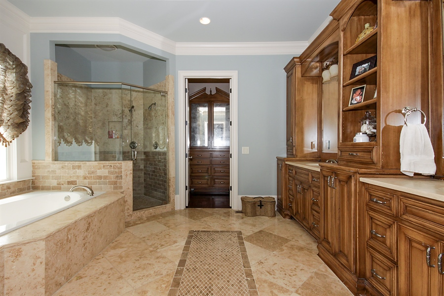 Real Estate Photography - 2853 Thurleston Lane, Duluth, GA, 30097 - Master Bathroom