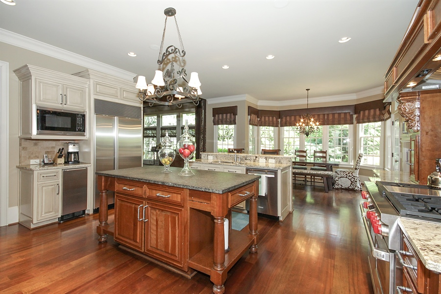 Real Estate Photography - 2853 Thurleston Lane, Duluth, GA, 30097 - Kitchen / Breakfast Room