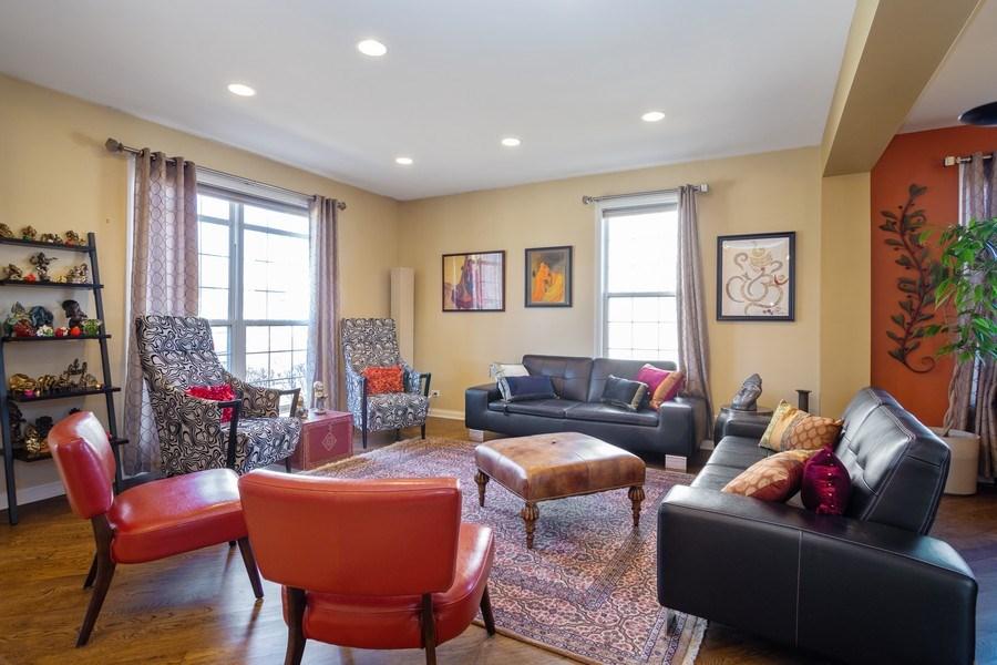 Real Estate Photography - 449 Birmingham Ln, Schaumburg, IL, 60193 - Living Room