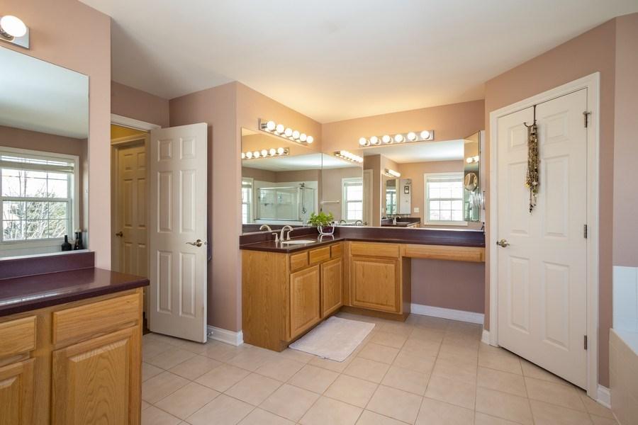 Real Estate Photography - 449 Birmingham Ln, Schaumburg, IL, 60193 - Master Bedroom