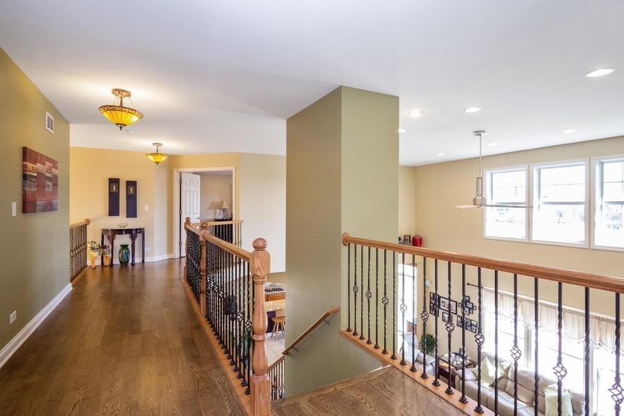 Real Estate Photography - 449 Birmingham Ln, Schaumburg, IL, 60193 - Hallway