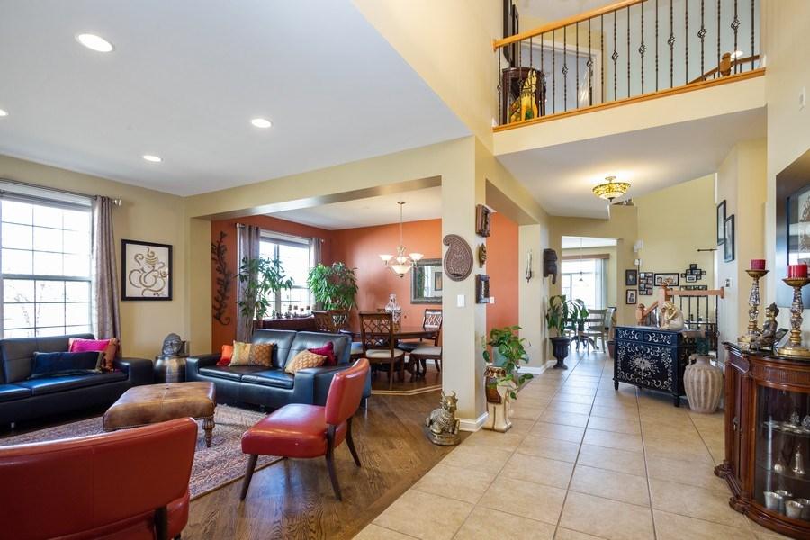 Real Estate Photography - 449 Birmingham Ln, Schaumburg, IL, 60193 - Living Room / Dining Room