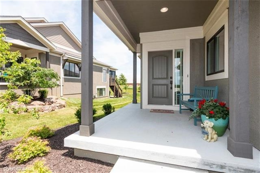 Real Estate Photography - 11539 S Waterford Dr, Olathe, KS, 66061 - Location 1