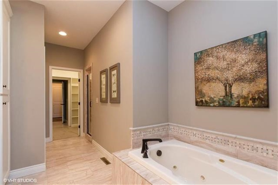 Real Estate Photography - 11539 S Waterford Dr, Olathe, KS, 66061 - Location 13