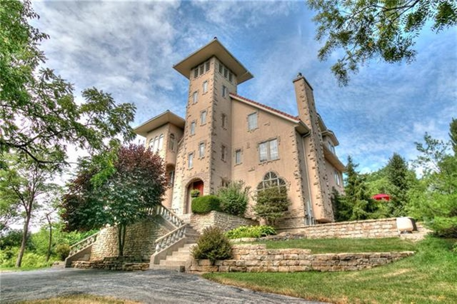 Real Estate Photography - 11777 NW Crooked Rd, Kansas City, MO, 64152 - Location 1