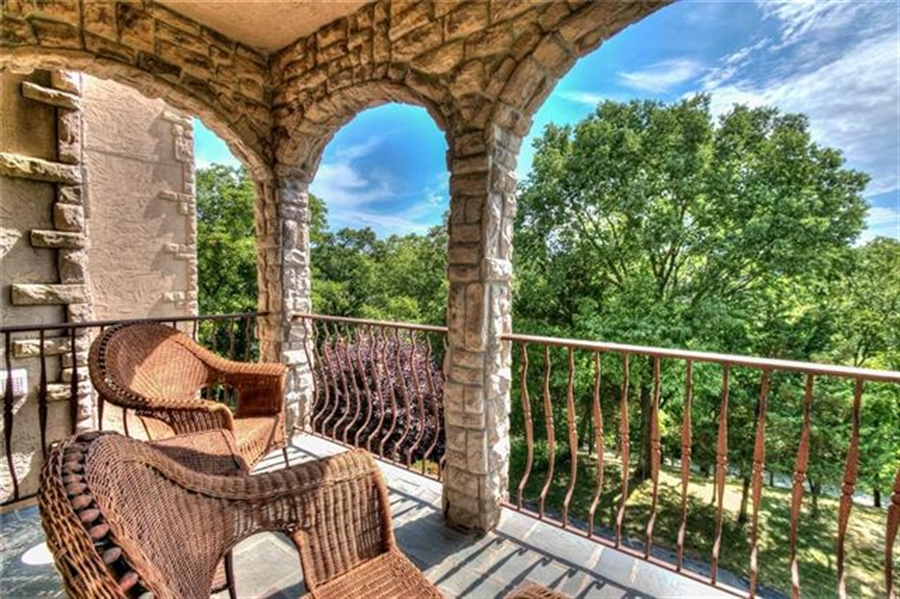 Real Estate Photography - 11777 NW Crooked Rd, Kansas City, MO, 64152 - Location 27