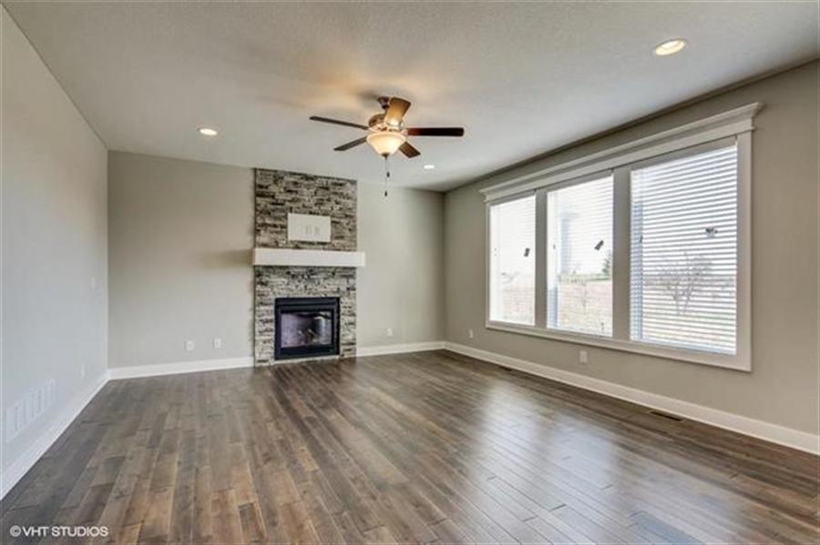Real Estate Photography - 16505 S Lyons St, Gardner, KS, 66030 - Location 5