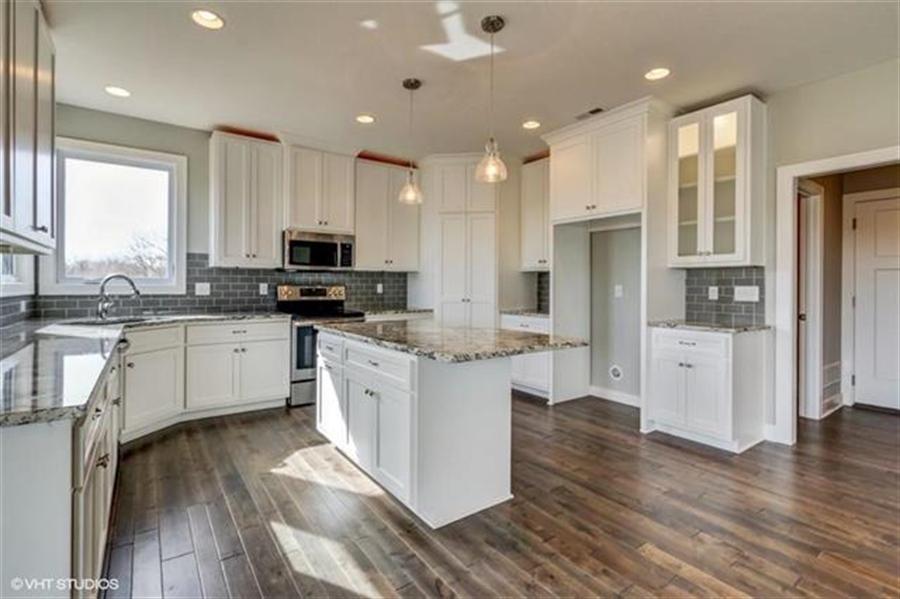 Real Estate Photography - 16505 S Lyons St, Gardner, KS, 66030 - Location 8