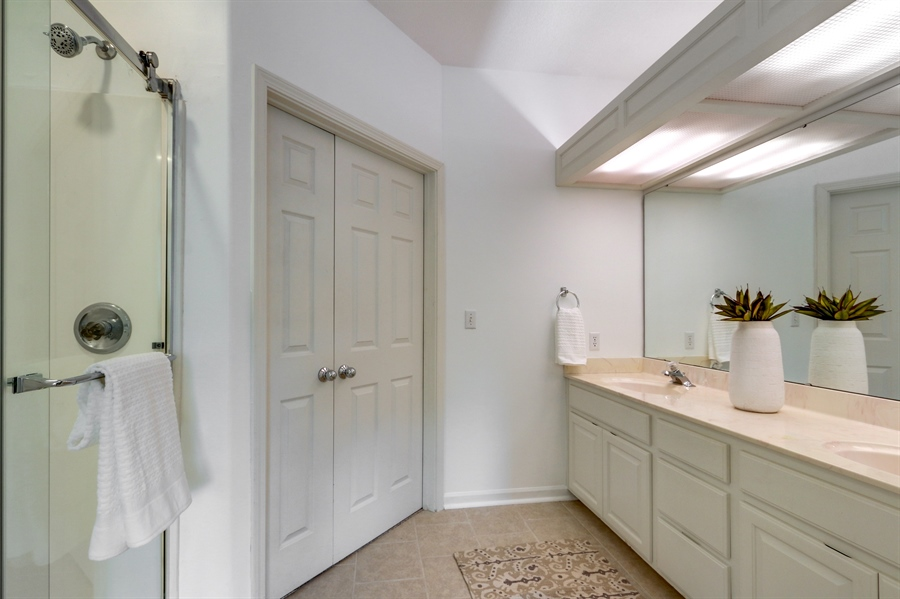 Real Estate Photography - 70 L Lakeshore Drive, Lake Lottowana, MO, 64086 - Master Bathroom