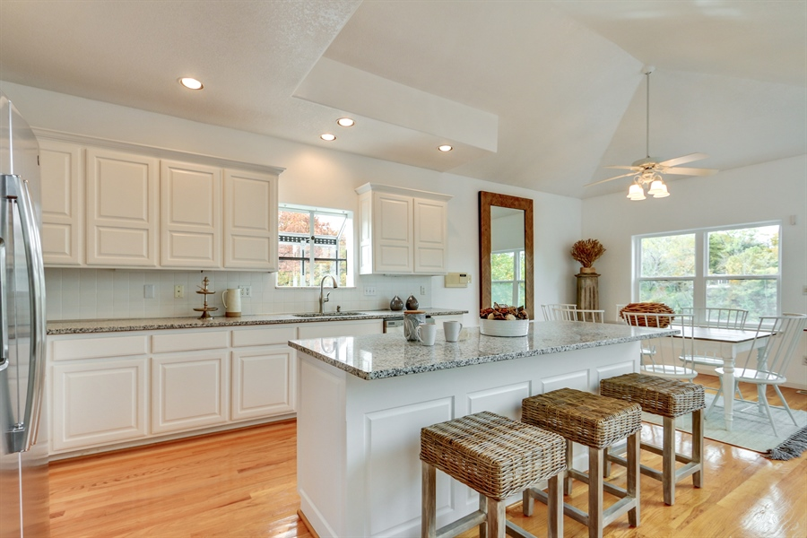 Real Estate Photography - 70 L Lakeshore Drive, Lake Lottowana, MO, 64086 - Kitchen