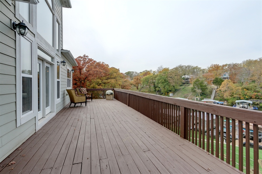 Real Estate Photography - 70 L Lakeshore Drive, Lake Lottowana, MO, 64086 - Deck