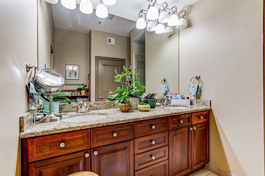 Real Estate Photography - 3800 N. Mulberry, 301, Kansas City, MO, 64116 - Master Bathroom