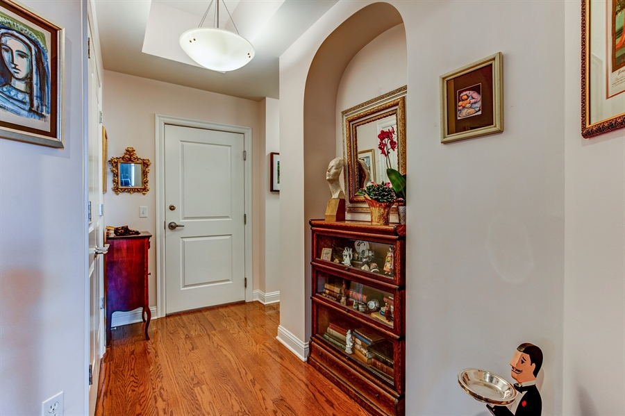 Real Estate Photography - 3800 N. Mulberry, 301, Kansas City, MO, 64116 - Foyer