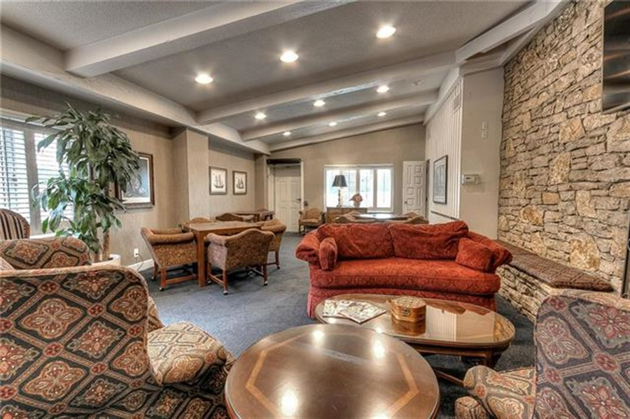 Real Estate Photography - 4545 Wornall Rd, Unit 500-501, Kansas City, MO, 64111 - Location 6