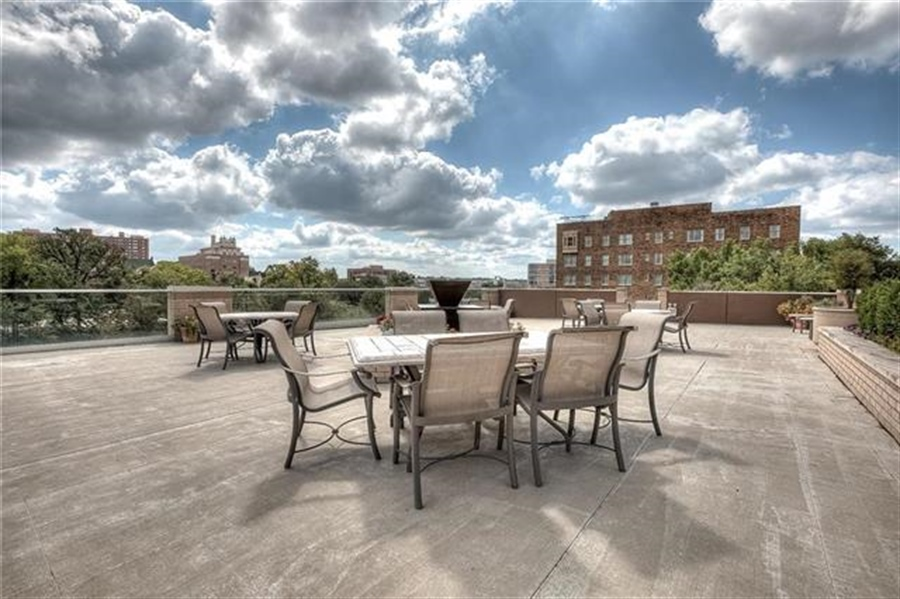 Real Estate Photography - 4545 Wornall Rd, Unit 500-501, Kansas City, MO, 64111 - Location 11