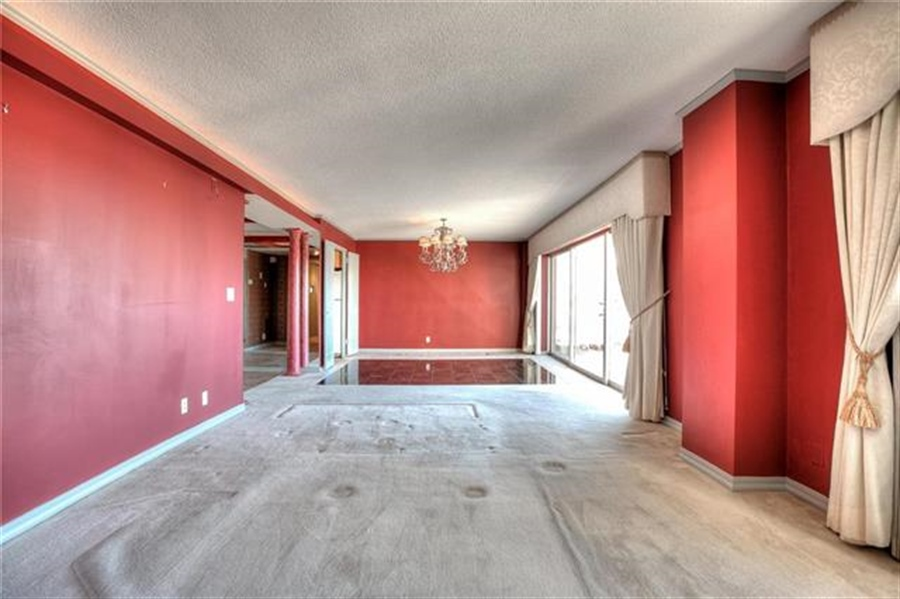 Real Estate Photography - 4545 Wornall Rd, Unit 500-501, Kansas City, MO, 64111 - Location 19
