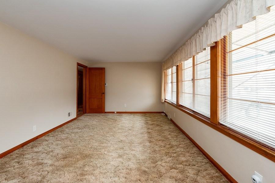 Real Estate Photography - 3714 Shawnee Dr, Kansas City, KS, 66106 - Living Room