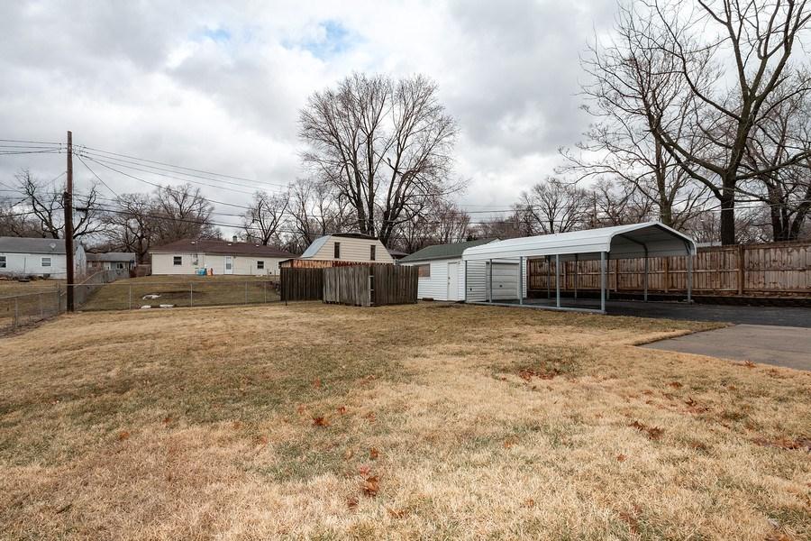 Real Estate Photography - 3714 Shawnee Dr, Kansas City, KS, 66106 - Back Yard