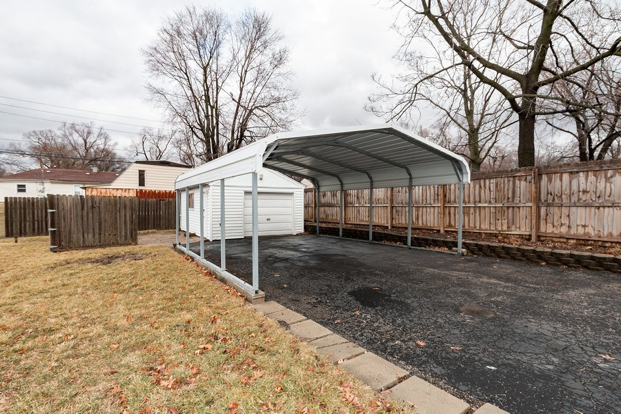 Real Estate Photography - 3714 Shawnee Dr, Kansas City, KS, 66106 - Garage