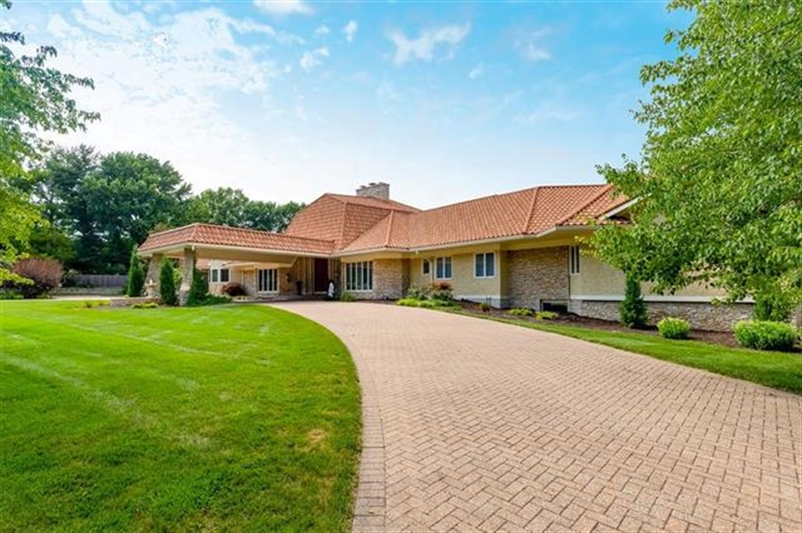 Real Estate Photography - 8700 Alhambra St, Prairie Village, KS, 66207 - Location 2