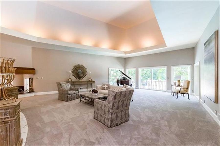 Real Estate Photography - 8700 Alhambra St, Prairie Village, KS, 66207 - Location 7