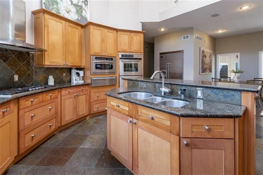 Real Estate Photography - 8700 Alhambra St, Prairie Village, KS, 66207 - Location 16