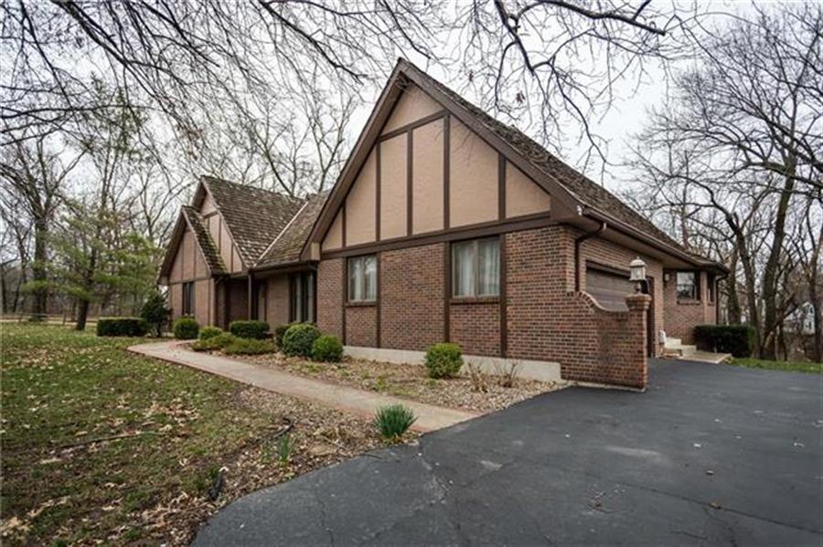 Real Estate Photography - 144 Tiblow Ln, Bonner Springs, KS, 66012 - Location 1