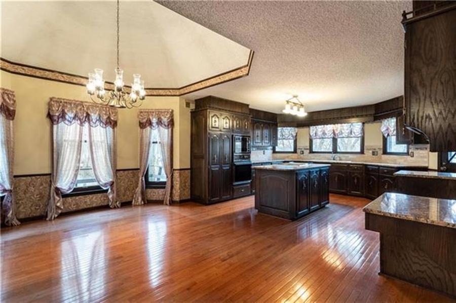 Real Estate Photography - 144 Tiblow Ln, Bonner Springs, KS, 66012 - Location 4