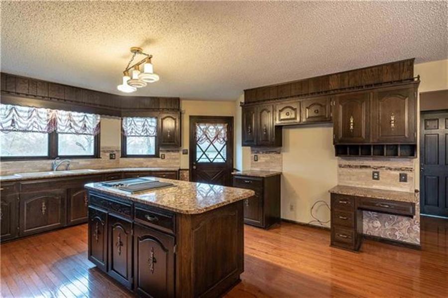 Real Estate Photography - 144 Tiblow Ln, Bonner Springs, KS, 66012 - Location 5