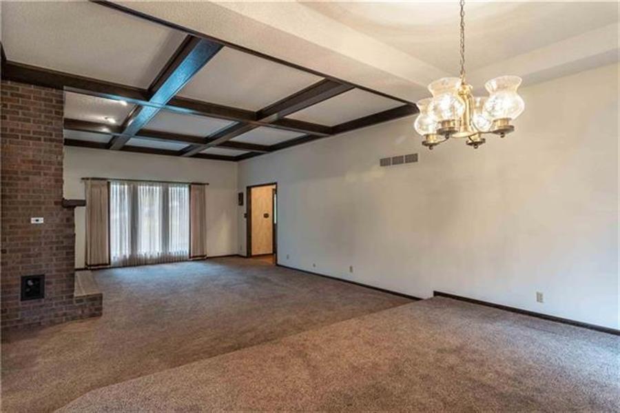 Real Estate Photography - 144 Tiblow Ln, Bonner Springs, KS, 66012 - Location 9