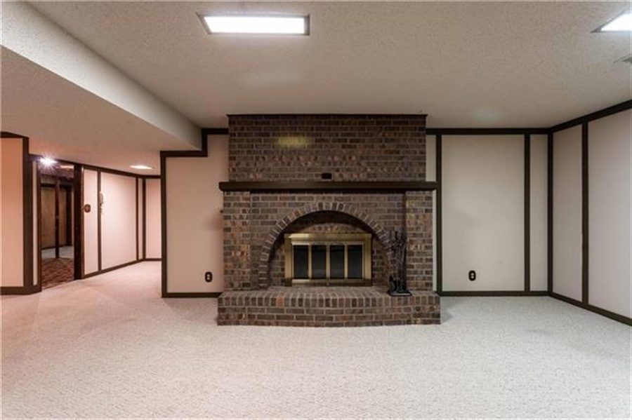 Real Estate Photography - 144 Tiblow Ln, Bonner Springs, KS, 66012 - Location 26
