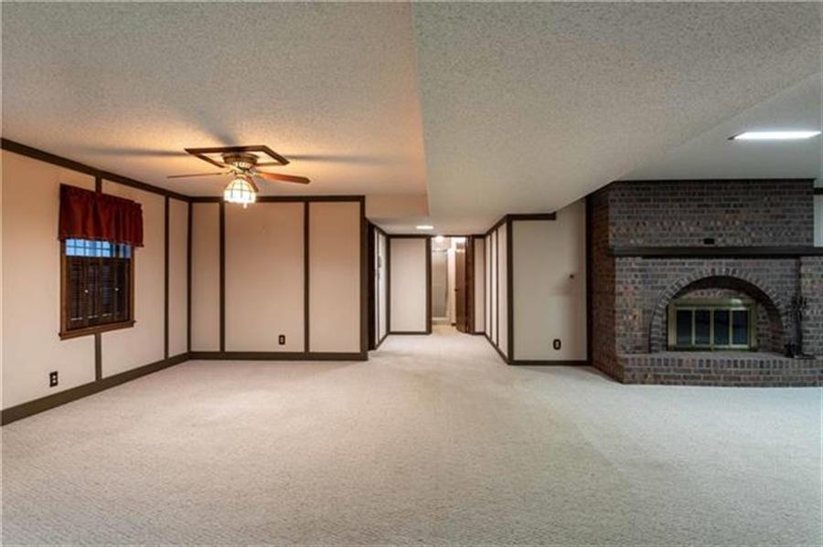 Real Estate Photography - 144 Tiblow Ln, Bonner Springs, KS, 66012 - Location 27