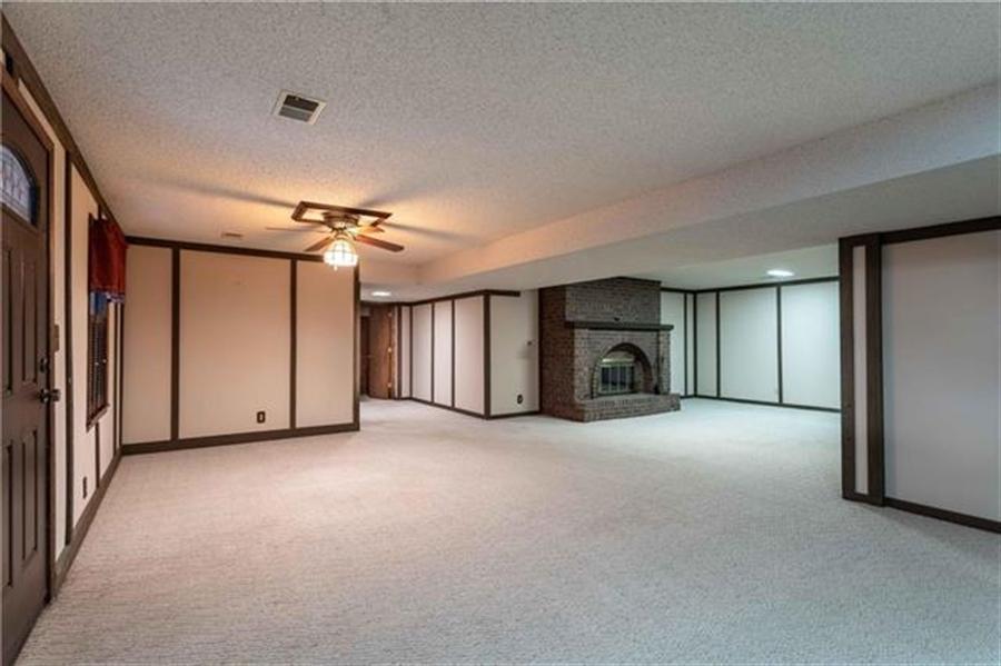 Real Estate Photography - 144 Tiblow Ln, Bonner Springs, KS, 66012 - Location 28
