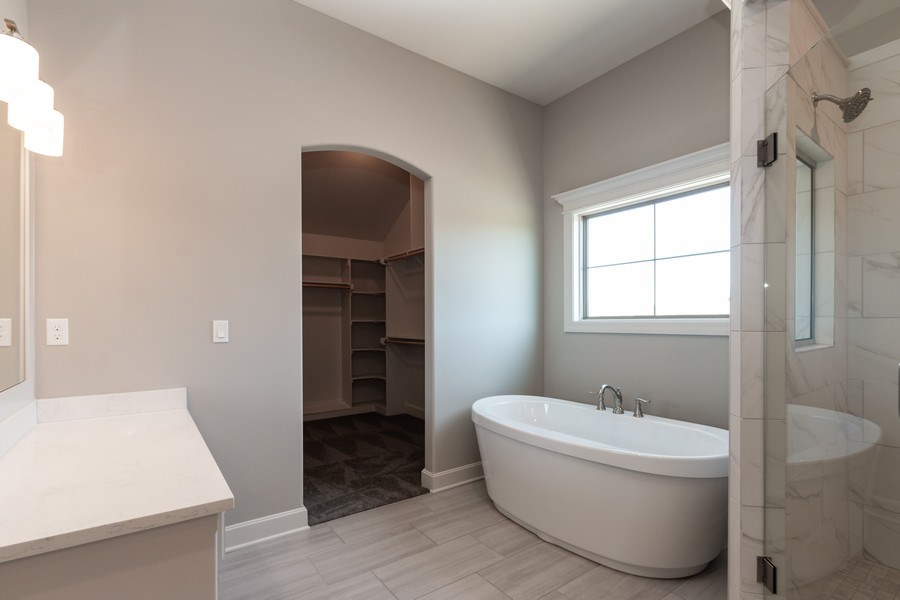 Real Estate Photography - 16200 Stearns St., Overland Park, KS, 66221 - Master Bathroom