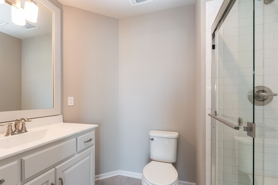 Real Estate Photography - 16200 Stearns St., Overland Park, KS, 66221 - Bathroom