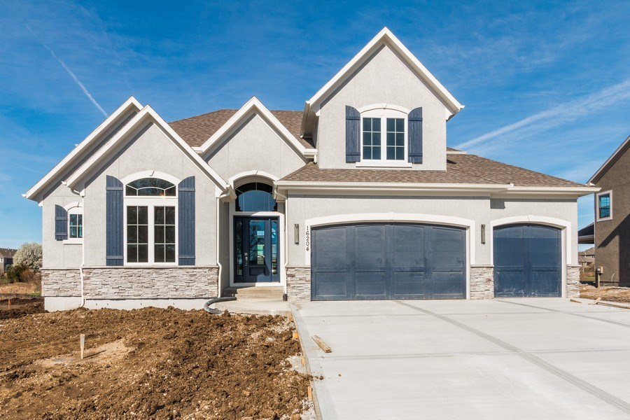 Real Estate Photography - 16204 Stearns St., Overland Park, KS, 66221 - Front View