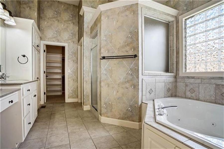 Real Estate Photography - 3107 N 128th St, Kansas City, KS, 66109 - Location 10