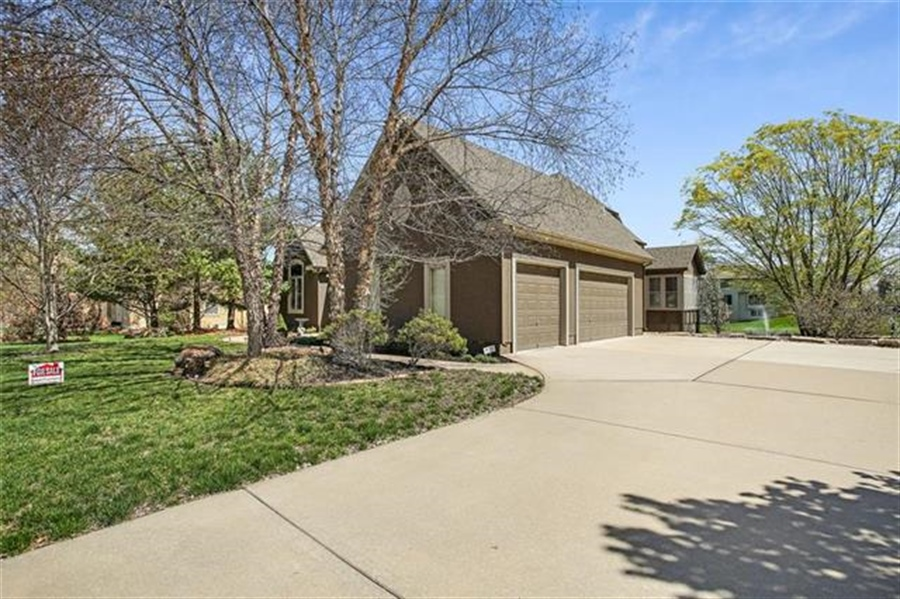 Real Estate Photography - 3107 N 128th St, Kansas City, KS, 66109 - Location 29