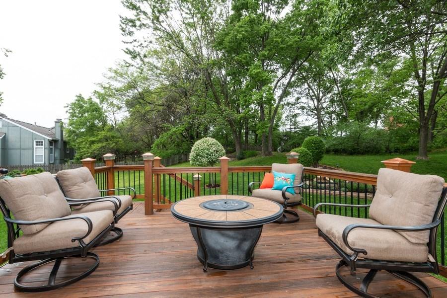 Real Estate Photography - 15238 Hemlcok St, Overland Park, KS, 66223 - Deck