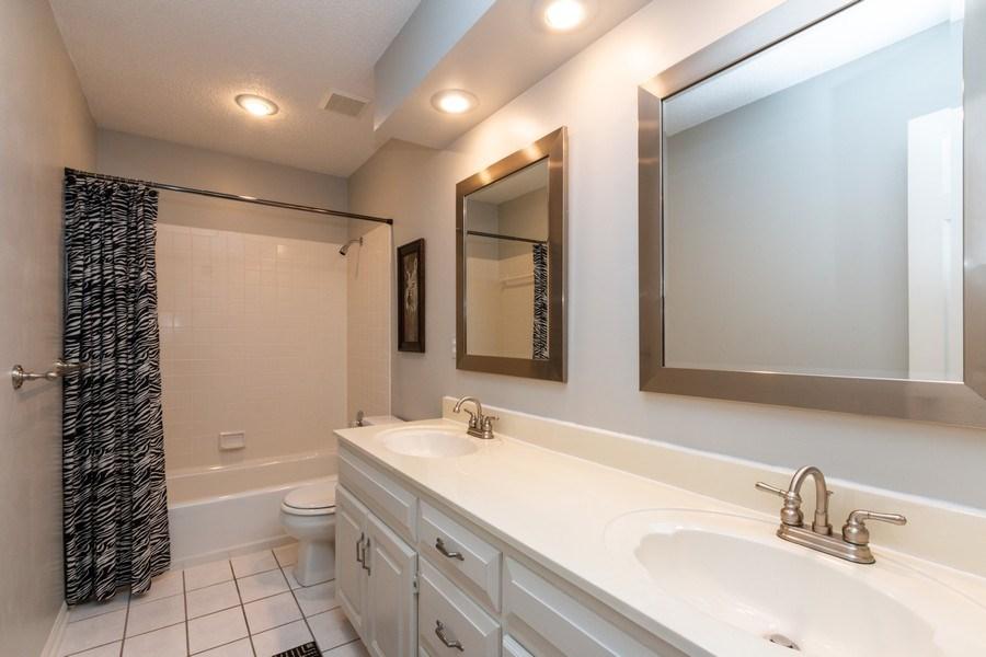 Real Estate Photography - 15238 Hemlcok St, Overland Park, KS, 66223 - Bathroom