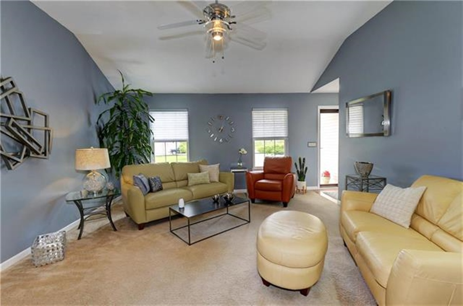 Real Estate Photography - 1104 SW Blackpool Dr, Lees Summit, MO, 64083 - Location 7