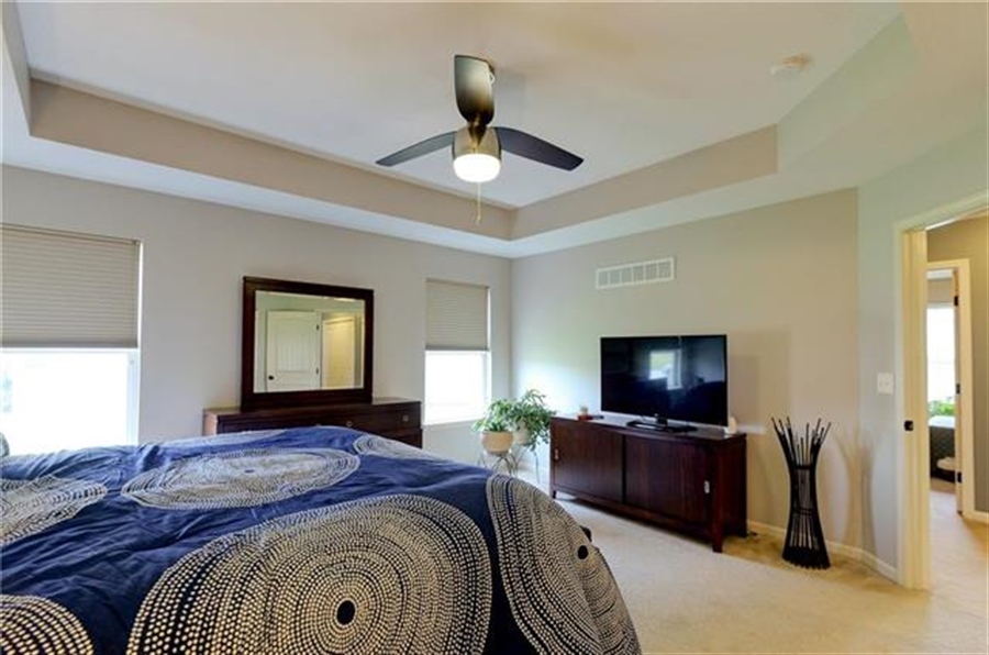 Real Estate Photography - 1104 SW Blackpool Dr, Lees Summit, MO, 64083 - Location 21