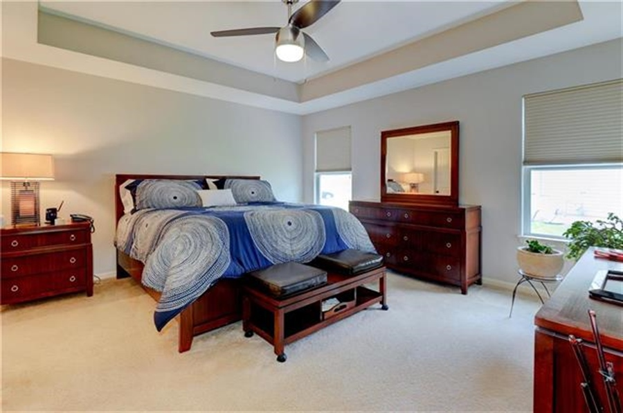 Real Estate Photography - 1104 SW Blackpool Dr, Lees Summit, MO, 64083 - Location 23