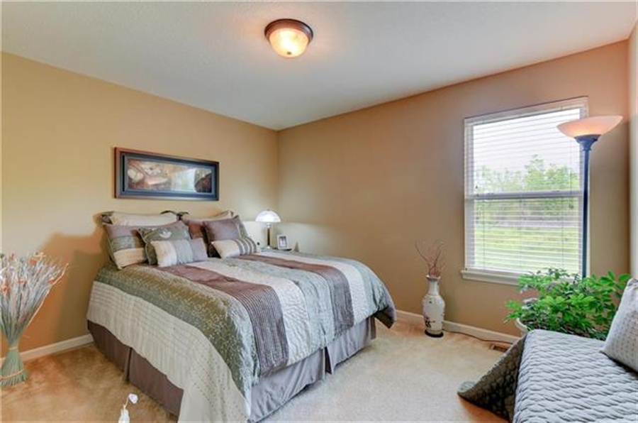 Real Estate Photography - 1104 SW Blackpool Dr, Lees Summit, MO, 64083 - Location 26