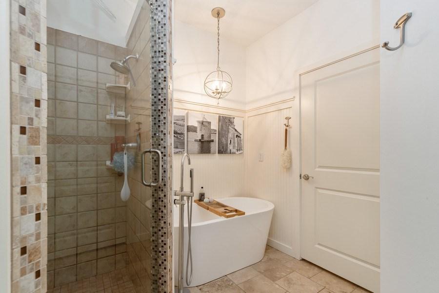 Real Estate Photography - 9001 NE 79th St, Kansas City, MO, 64158 - Master Bathroom