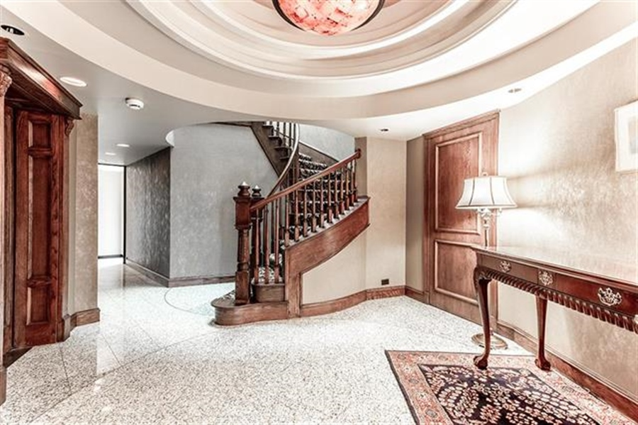 Real Estate Photography - 5049 Wornall Rd UNIT 10, 11AB, Kansas City, MO, 64112 - Location 3