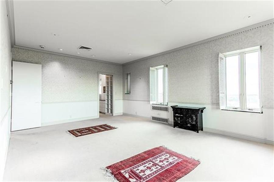 Real Estate Photography - 5049 Wornall Rd UNIT 10, 11AB, Kansas City, MO, 64112 - Location 13