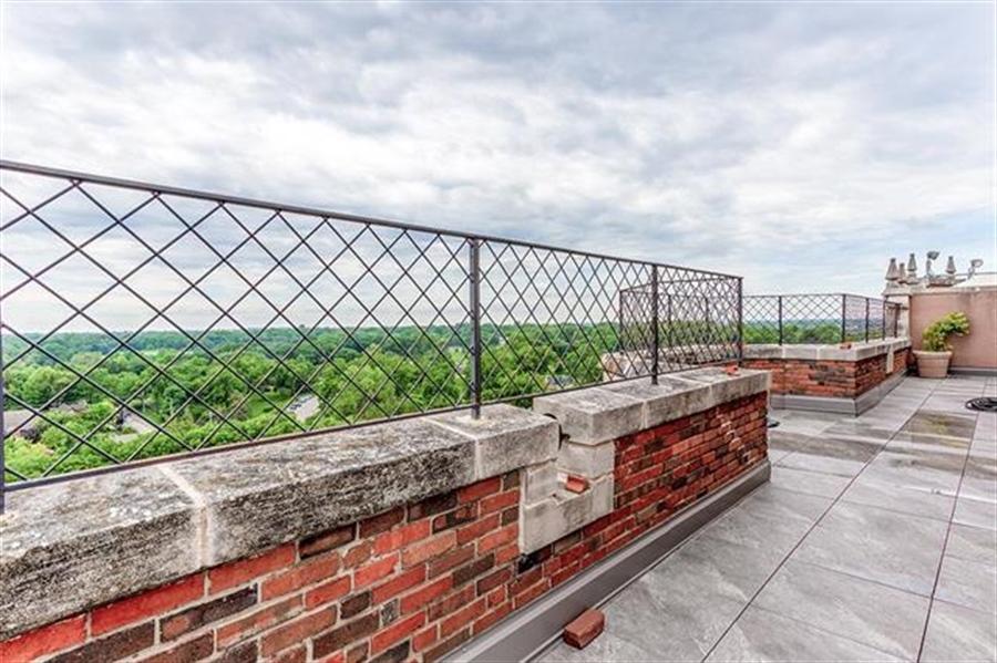 Real Estate Photography - 5049 Wornall Rd UNIT 10, 11AB, Kansas City, MO, 64112 - Location 24
