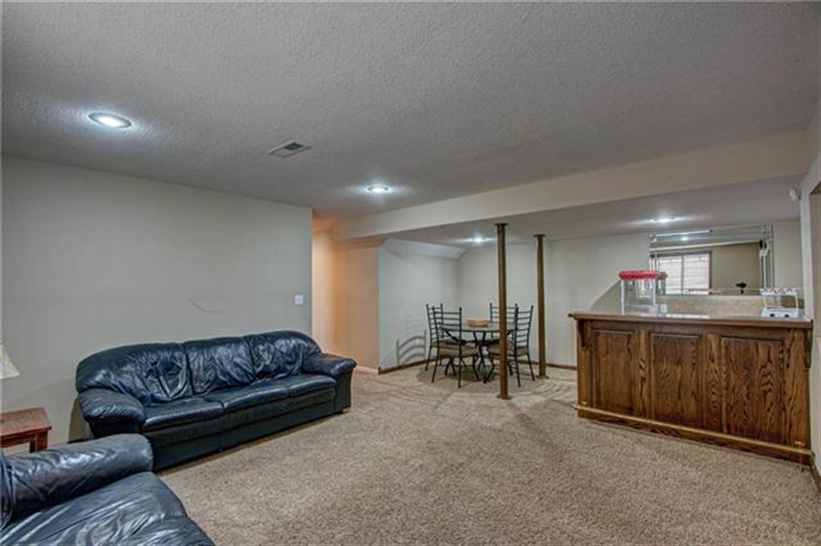 Real Estate Photography - 21918 W 121st St, Olathe, KS, 66061 - Location 20