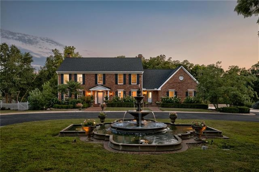 Real Estate Photography - 17704 S Rolling Hills Rd, Belton, MO, 64012 - Location 1